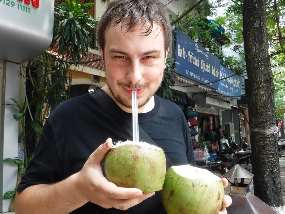 Štastný to Čech, který si koupí čerstvý kokos přímo na ulici
