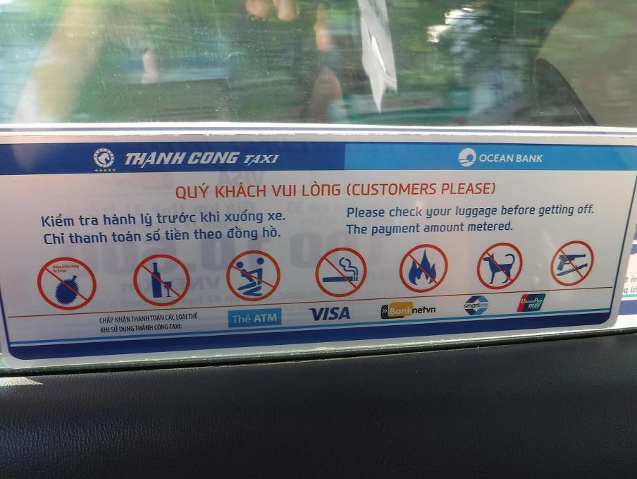 Zákazy ve vietnamském taxíku