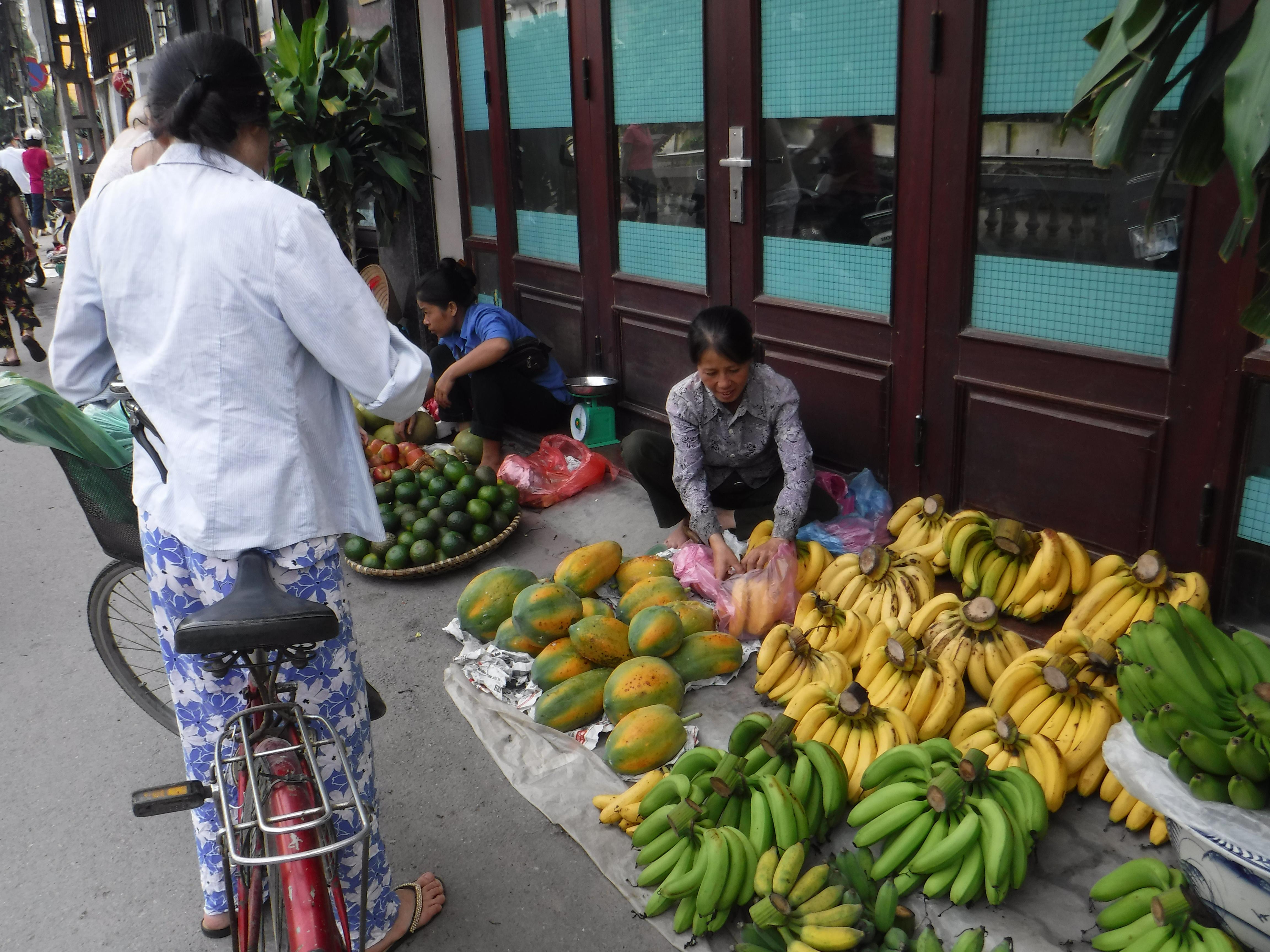 Vše, co potřebují místní obchodníci, je kousek chodníku